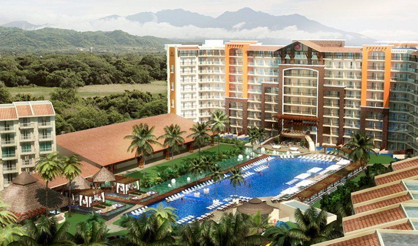 The Kyrstal Grand Nuevo Vallarta opened last year.