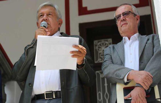 López Obrador, left, and incoming finance secretary Carlos Manuel Urzúa Macías at yesterday's press conference.