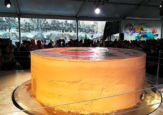 The world's largest marzipan, made in Guadalajara.