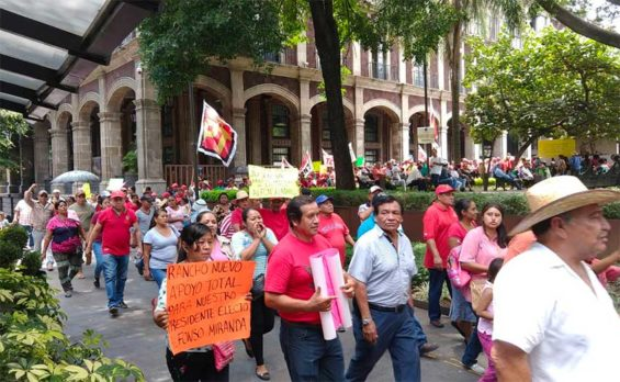 A march for the mayor yesterday in Cuernavaca.
