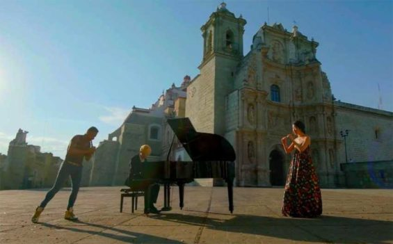 Several sites in Oaxaca were scenes for the Mexican-Korean video.