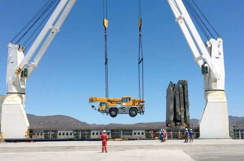Heavy equipment to be used in the plant's construction arrived in May in Topolobampo.