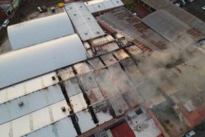 Aerial view of the Querétaro market during this morning's fire.