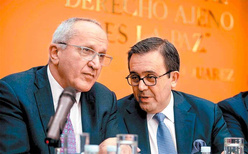 Trade negotiators Seade, left, and Guajardo.