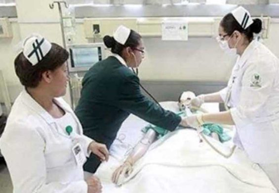 Nurses at work: Mexico needs 255,000 more.