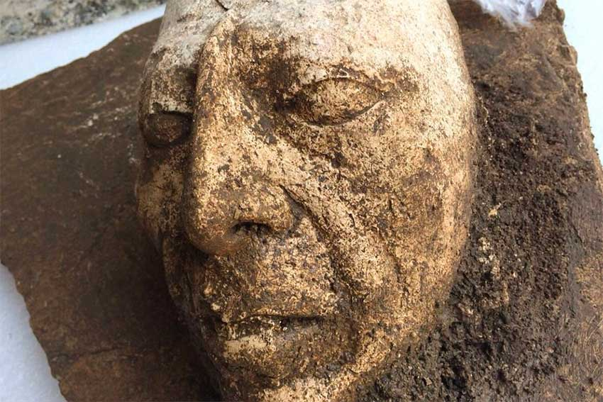 Картинки по запросу The team of specialists from the National Institute of Anthropology and History (INAH) made the discovery of the mask when working at House E of Palenque's Palace building