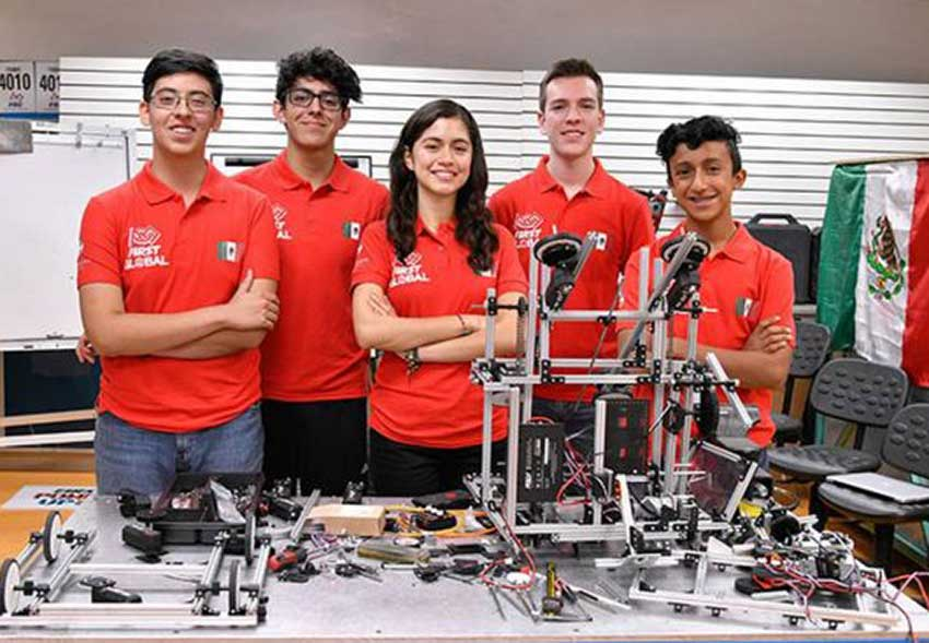The Mexican robotics team: silver medal for excellence.