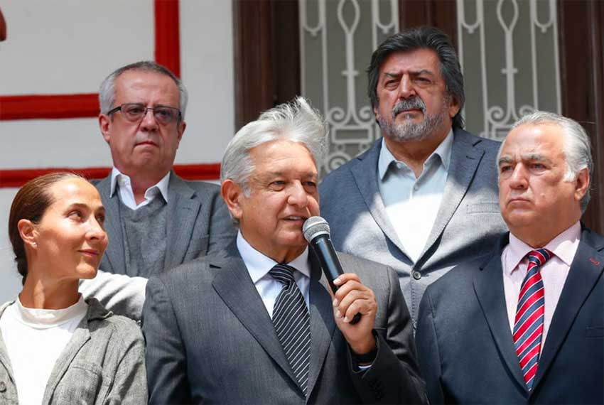 López Obrador announces extension of the Maya Train.