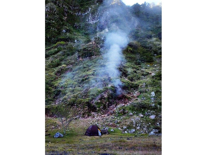 6sm-Camping-beneath-the-fumaroles