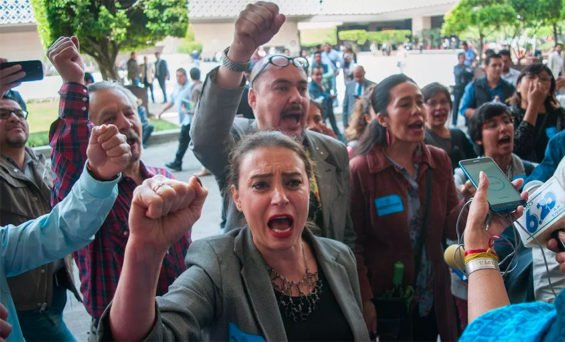 Members of the arts and culture community protest this morning in Mexico City.