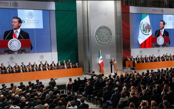 Peña Nieto gives his last report at the National Palace today.