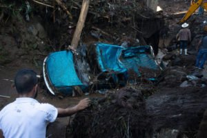 A vehicle that was destroyed Sunday in Peribán.