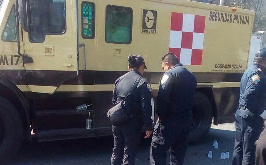 Two security guards were killed yesterday in Tehuantepec.