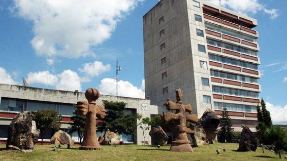 The Autonomous University of Morelos is close to bankruptcy.