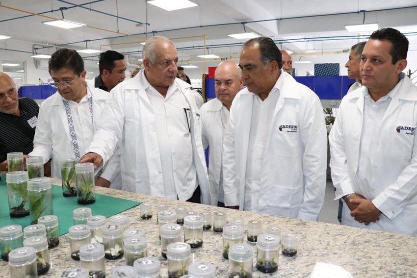 Governor Astudillo, second from right, opened the new research center in Acapulco yesterday.