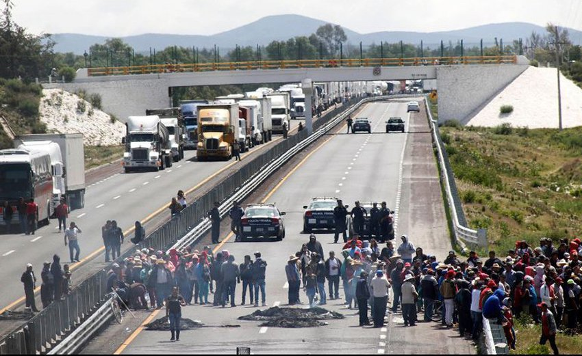 Yesterday's blockade in Puebla.