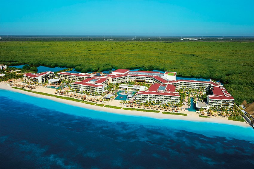 Breathless Riviera Cancún: Apple Leisure Group plans to build more.