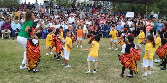 Children celebrate the monarch butterfly in Ciudad Acuña.