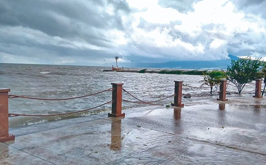 Water laps at the surface of the malecón in Jocotepec, Jalisco.