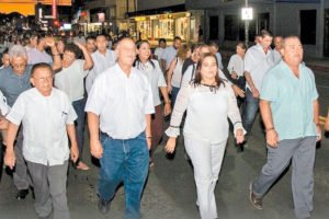 Mayor leads a peace march in Guaymas.