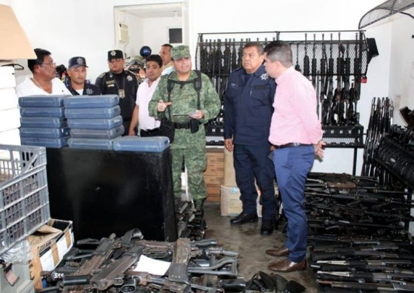 Counting guns in Acapulco: some are missing.