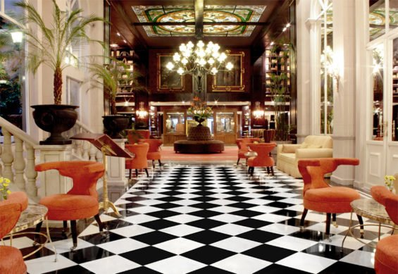 Lobby of the Hotel Geneve.