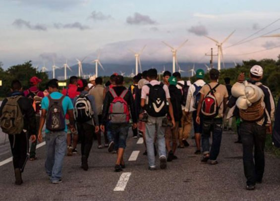 Migrants marching to Juchitán yesterday.