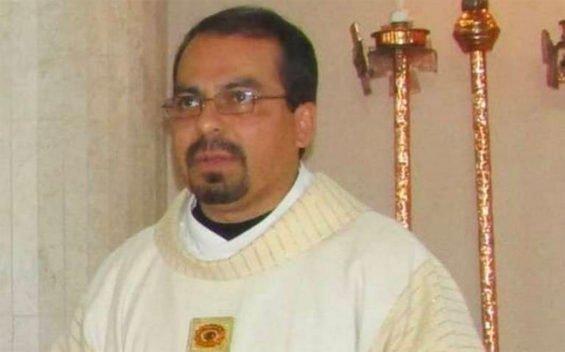 Tijuana priest Ícmar Orta.