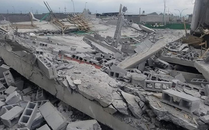 The rubble of a construction project that collapsed in Monterrey.