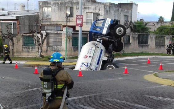 Gas truck in Zapopan yesterday.