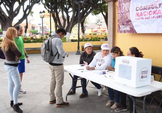 Voters at a polling station in Querétaro.