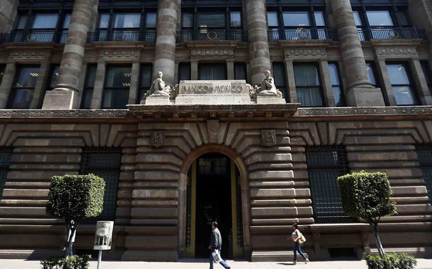 The Bank of Mexico has concerns over direction of new government.