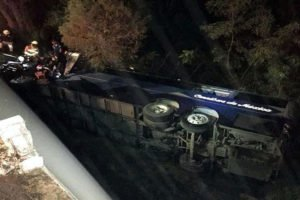 The bus that went off a bridge today in Nuevo León.