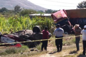 The taxi and semi in yesterday's accident in Oaxaca.
