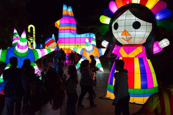 Illuminated figures at last year's Luztopia.