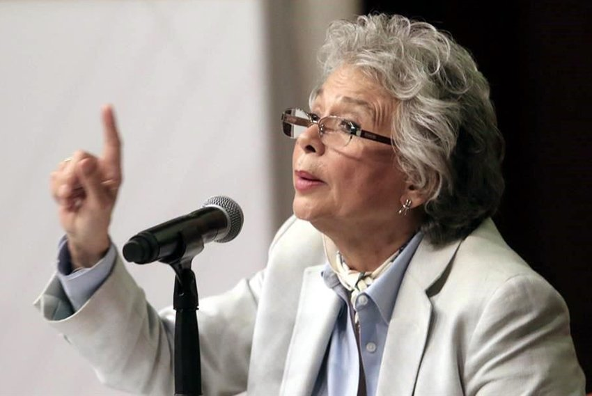 Future interior secretary Sánchez: celebrating Supreme Court ruling.