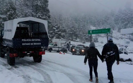 Visitors have been drawn to the Nevado de Toluca to see the snow.