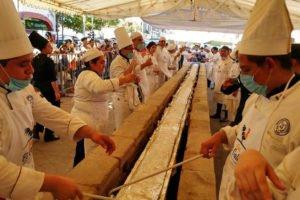 The world's longest tamal.
