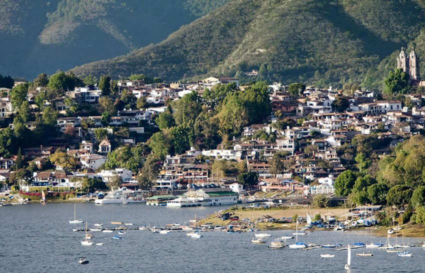 Valle de Bravo is one of the few magical towns that have tracked visitor numbers.