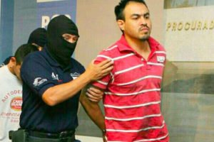 Gulf Cartel boss El Chelelo during his arrest in Mérida.