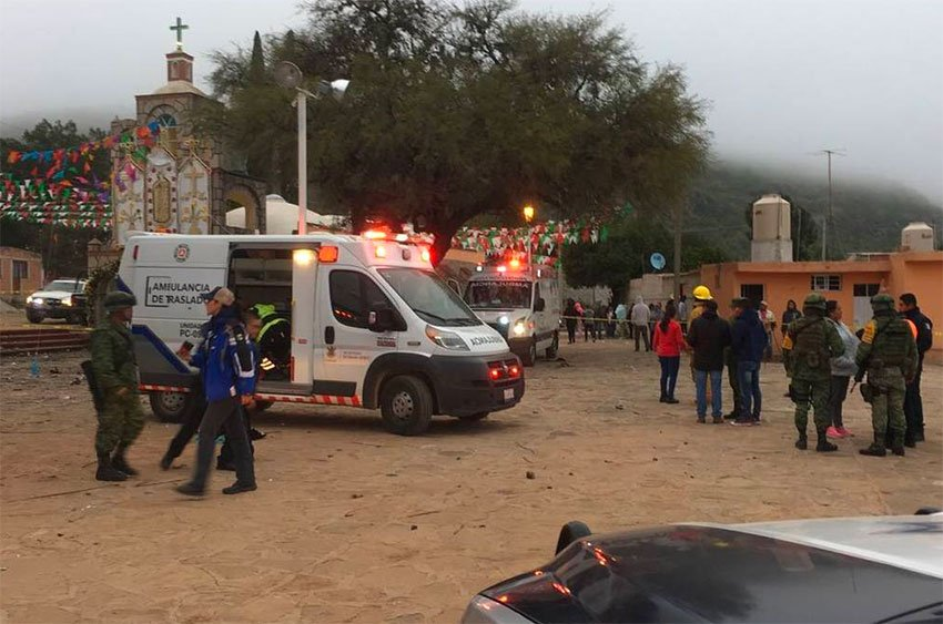 Emergency personnel at the scene of the fireworks explosion in Querétaro.