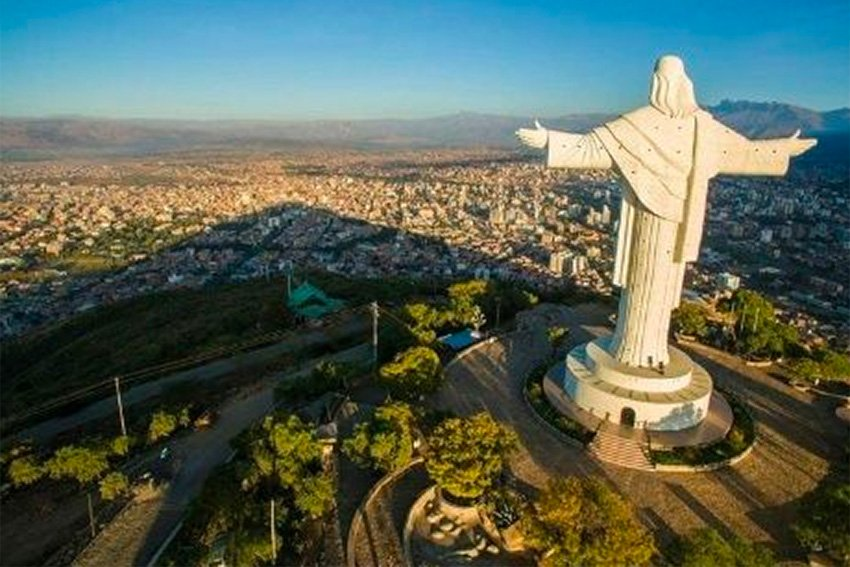 This statue of Jesus Christ in Bolivia is the world's tallest.