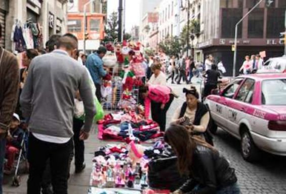 Vendors in Mexico City's historic center.
