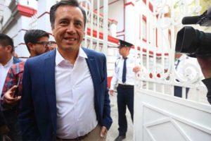 García: asset-poor, like AMLO.