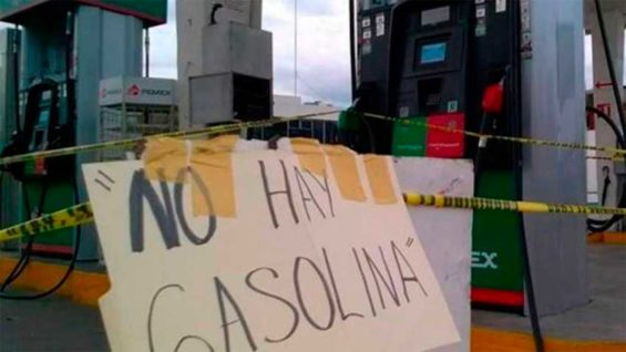 'No gasoline:' a common sign at Michoacán gas stations.