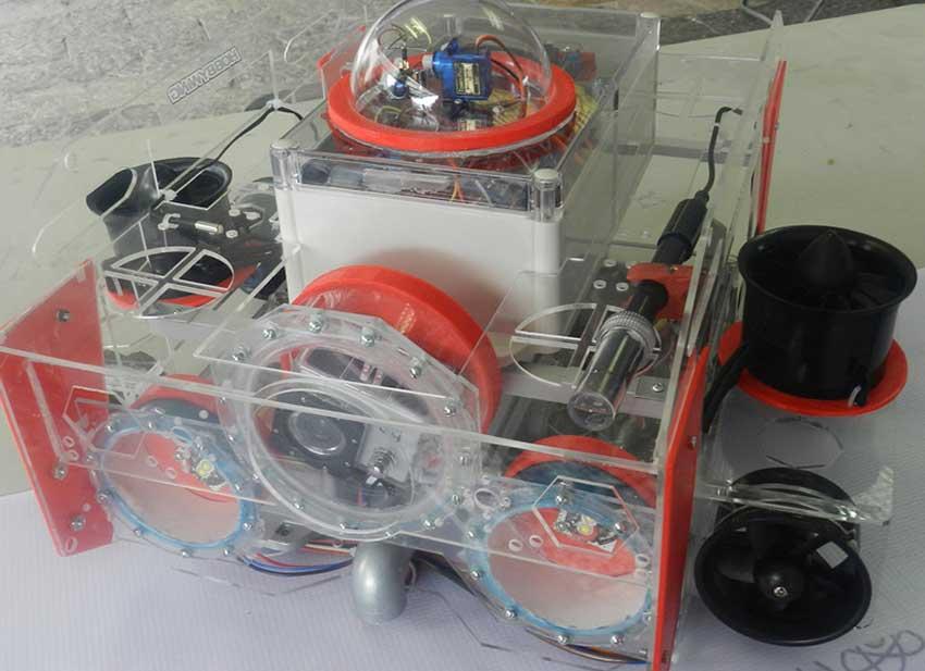 Rodríguez's submarine robot.