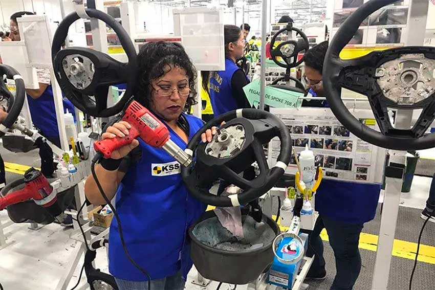 A worker at an automotive factory in Tamaulipas.