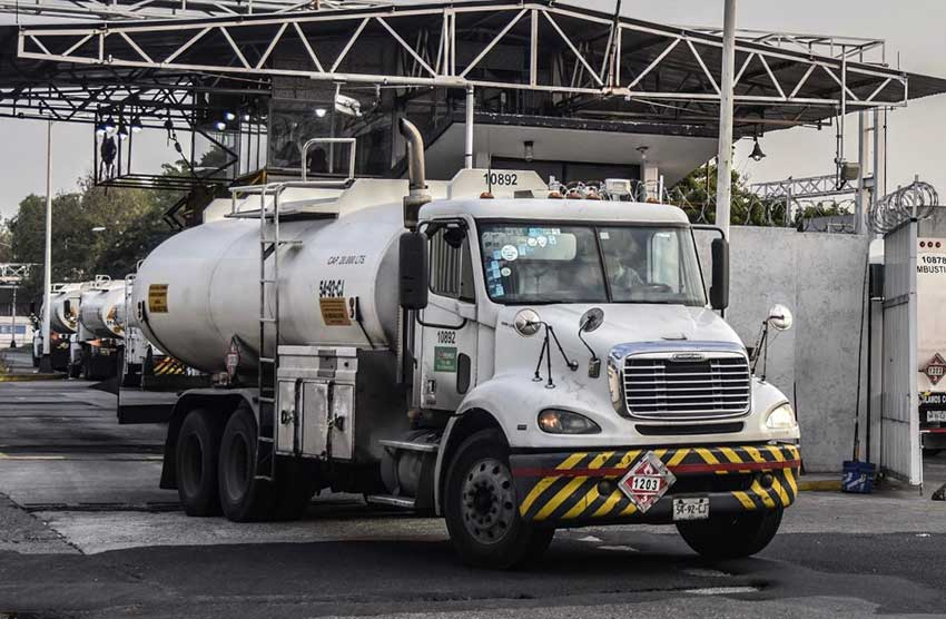 Drivers of the new Pemex trucks will earn double.