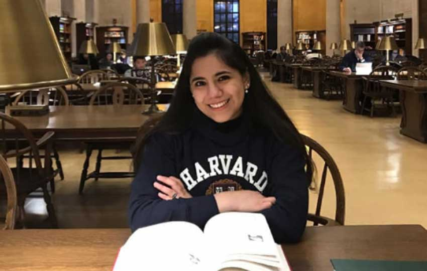 Harvard student Almazán.