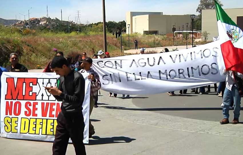 Demonstrators protest against Mexicali brewery.
